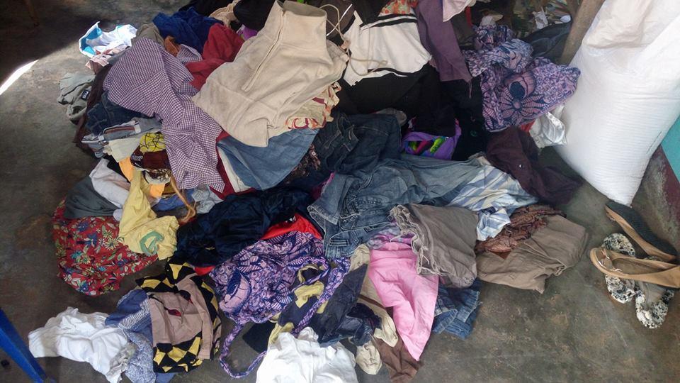 Image for: Kenyans donate clothes for refugees